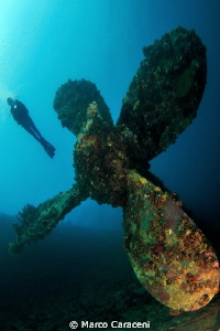 Umbria wreck propeller by Marco Caraceni 